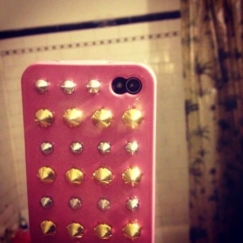 New $10 case from Arden B. #ardenb#iphone4s#iphoneonly#selfie#mirrorpic#iphoneisa#photooftheday#studs#spikes#pink#imcute#loveyouriphone