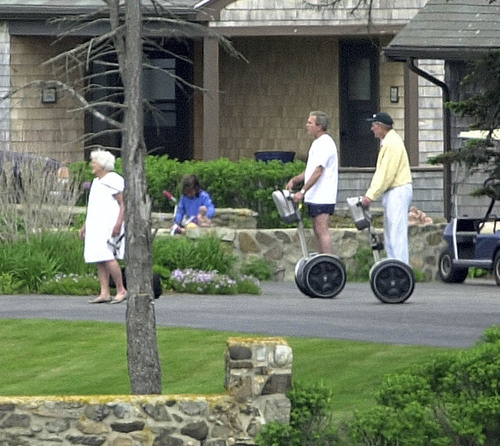 peterfromtexas:  George W. Bush and his father chase Barbara Bush on segways