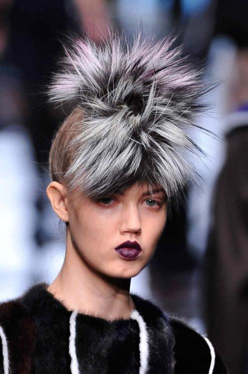Oh, to have @LindseyWixson 's lips! @Fendi #Milan