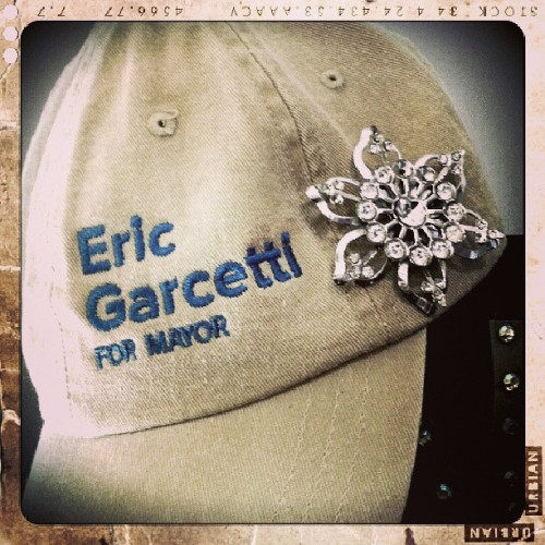 A beautiful sunny day to wear my Garcetti for Mayor cap! #teamGarcetti #WomenforGarcetti #votereminder #LA