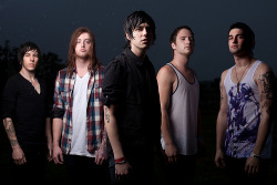beatusfuckingquinn:  Sleeping With Sirens