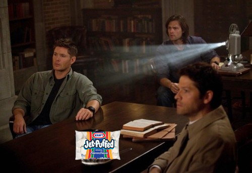 consulting-cannibal:  we can clearly see in this new promo photo cas enjoying some popcorn with the boys  idk i swear i read SOFT PORN and was like dafuq.. somethings very wrong with me guys
