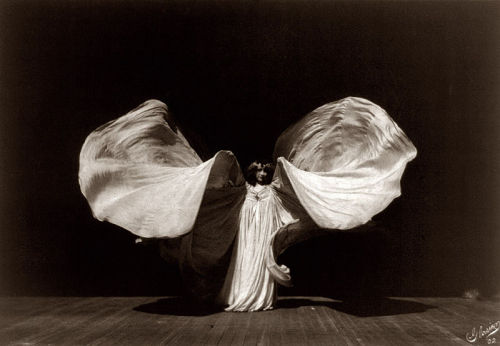 creepingirrelevance:  Loie Fuller