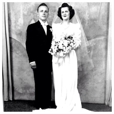 In love with my grandparents wedding photo ❤