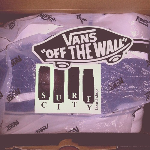 Big thanks to @gosurfcity,best custom service!!! #vansoffthewall#surfcity#package#leather#platform#airmail#USA#service#blah#vans#thankful