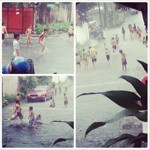 And the kids came out to play (and swim) in the rain. Hahaha! #classic #inggitako #summerrain