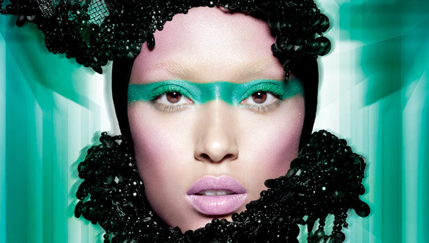 POWER UP WITH EMERALD, THE COLOR OF THE YEAR SHOP THE EXCLUSIVE SEPHORA + PANTONE UNIVERSE COLOR OF THE YEAR COLLECTION HERE ▸