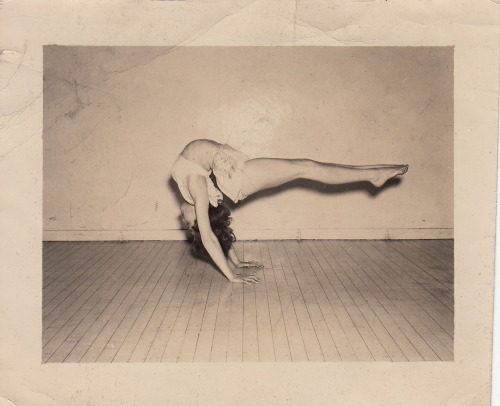 Horizontal Master  ORIGINAL SNAPSHOT CIRCA 1950 collection Jim Linderman.  Post is HERE.  Books (and ebooks $5.99) by Jim Linderman are HERE