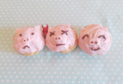 3 little pigs cream puffs
