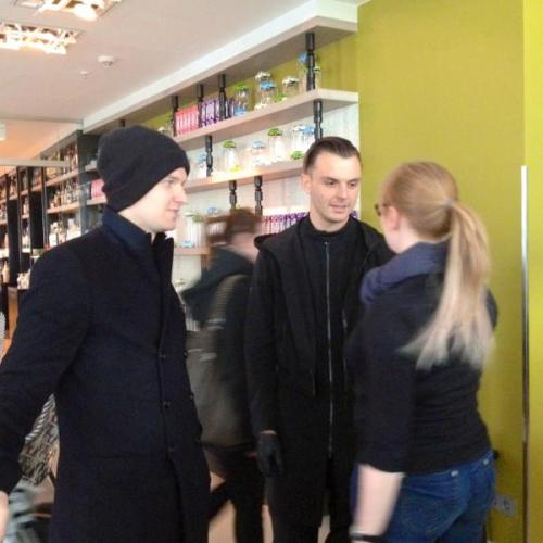 irrelevantpants:  Berlin [x]  aaw :'3