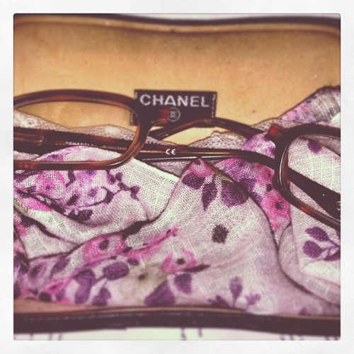 I'm seeing double 👯. RIP #chanel #eyes. #time for a new #pair. #itwasabummerandoverit! #lol