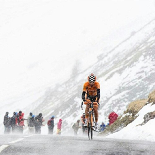 cycling-photos:  Col du Galibier #cyclingphotos #cycling #cycle #bicycle #bike #bikesareawesome #awesome #bicicleta #snow #cold #hero #france #giro #italia #hero #mountain