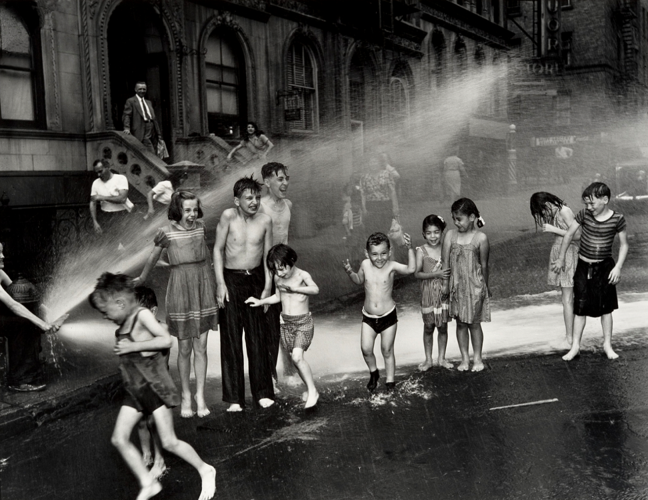 Weegee: Summer on the Lower East Side, 1937