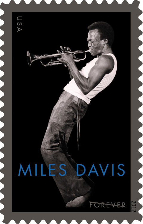 Today's cool Miles Davis photo kinda makes you want to use snail mail again.  Don't forget to check out GOING MILES! (http://www.alangoldsher.com/Going_Miles/Going_Miles.html)