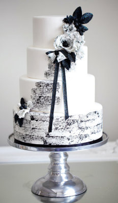 Midnight in Paris wedding cake | by Sophie Bifield
