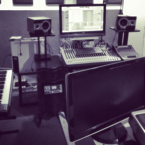 Back In My Zone! #maxxmuzik #maxxproductionsstudio #teamnoequal #teamearly #entertainment #fametube #famous #fans #fanclub #f4f #star #streets #streetteam #hiphop #celebrity #localcelebrity #realhiphop #realniggashit #madeinamerica #dedication  (at Maxx Productions Studio)