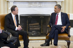 Secretary-General Ban Ki-moon (left) meets with United States President Barack Obama at the White House, in the Oval Office.11 April 2013Washington,DC, United States of America