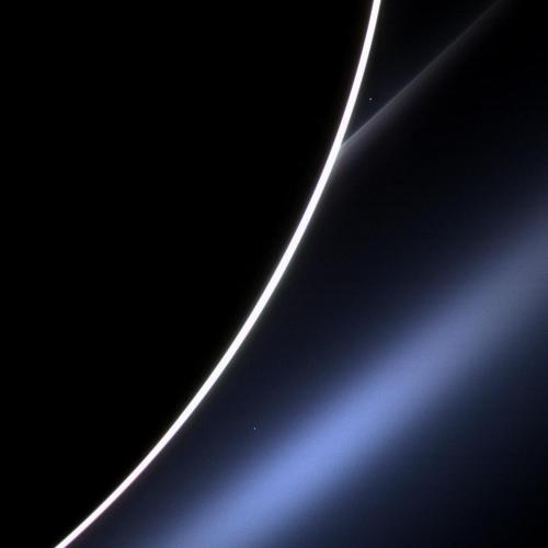 Venus from dawn on Saturn #Cassini http://bit.ly/WIA5sO