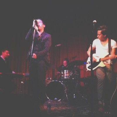 This is happening right now!! @moonsofmars @thehotelcafe #thehotelcafe #moonsofmars #stayinla #takemetothemoonsofmars  (at Hotel Cafe)