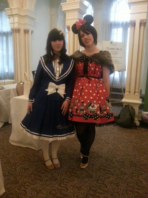 sugarcomet:  Minnie Mouse and Donald Duck! I was Minnie for the day! I forgot to put my lace black gloves back on!