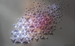 trambahngast:  (via Origami Meets Projection Mapping | Colossal)