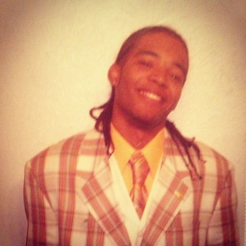 #Throwback wit da braids, Suit to big, smh it's all bad still #AcedUp