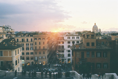 restaurer:  View from the Spanish Steps at sunset (by erinecooke)