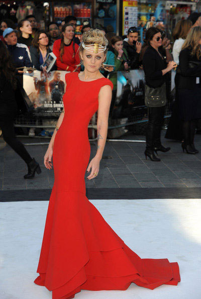 Star Trek: Into DarknessThe London premiere of Star Trek: Into Darkness took place yesterday. Singer Bo Bruce, who collaborated with the band Snow Patrol for a song from the movie, showed up wearing Steave - a gorgeous red gown from La Mania's SS 2013 collection. She has spotted the dress at Joseph in London and chose it amongst many other renowned international brands.