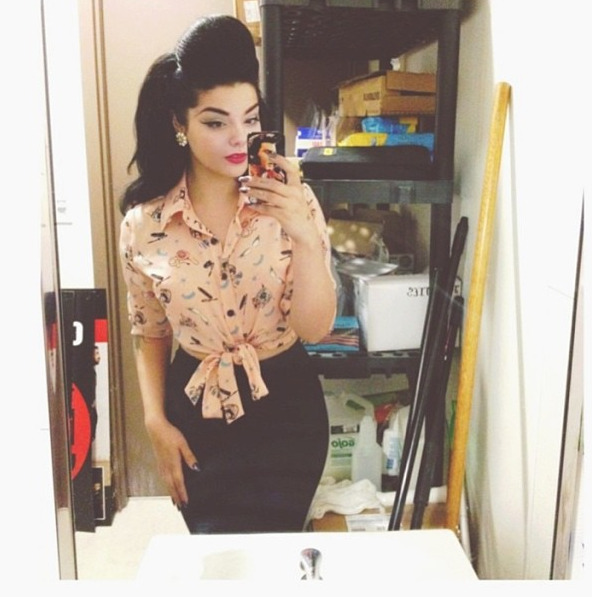 witchhhunt:  back room selfies.
