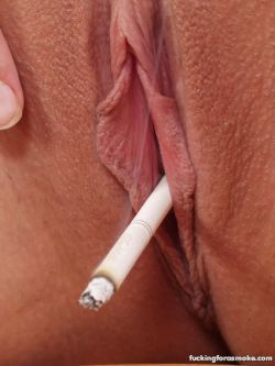 smokingpussies:  That pussy is SMOKING!   I just love a smoking vagina.