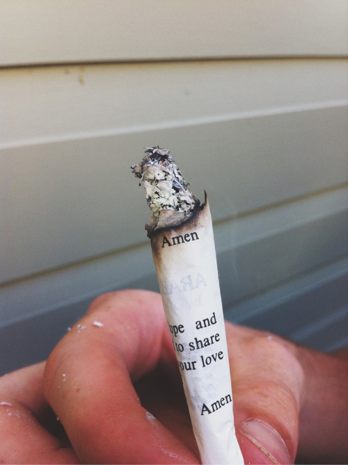 setbabiesonfire:  Probably terrible for your lungs/for rolling with, but it sure makes a nice picture.