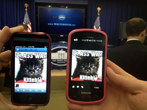 We iz insidez teh whitehouse. Fighting teh class warz