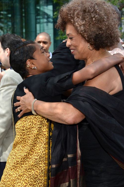 Willow Smith hugging Angela Davis! This was at the premiere of the documentary Free Angela and All Political Prisoners.  Um. My emotions right now… *sniff* :)