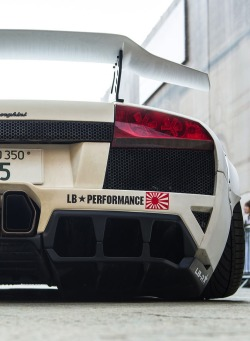 hakosukajapan:  I love these Liberty Walk super cars.