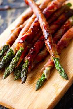 whiskeysoaked:  Prosciutto Wrapped Asparagus