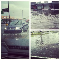 Tampa flooding like it's going out of style. #holyschnikes