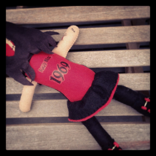 Iggy bloc the roller derby girl personalized zombie http://www.etsy.com/shop/elzicorn