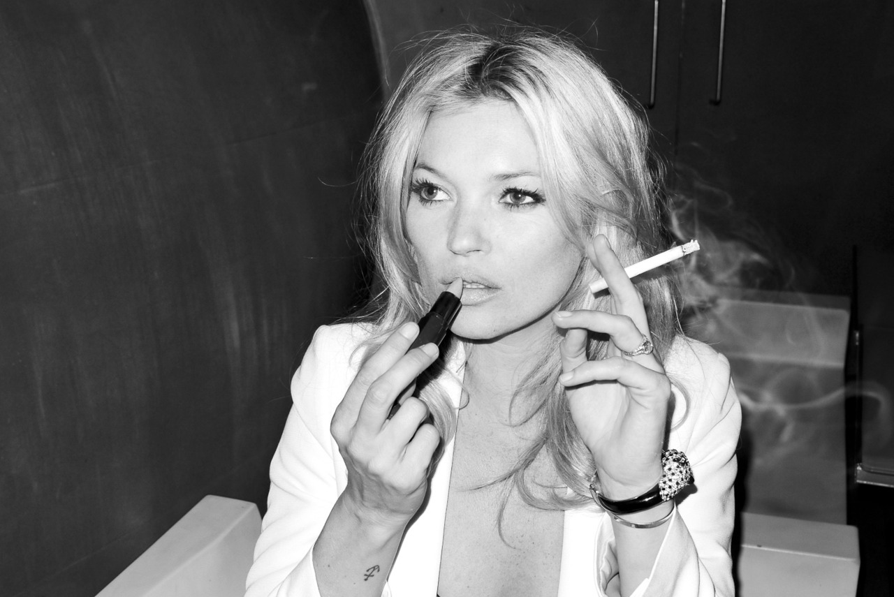 Happy Birthday Kate Moss!  Fotografía por Terry Richardson