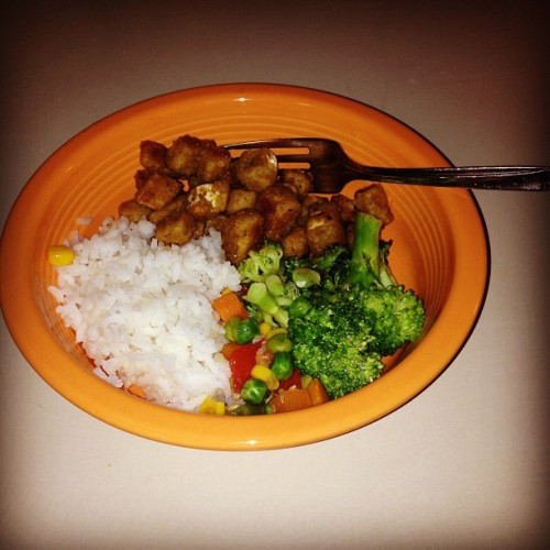 Chicken fried tofu, sesame veggies, and jasmine rice. Merry Christmas y'all #shitveganseat