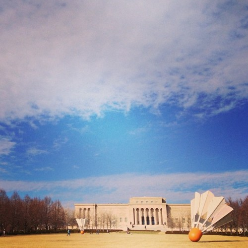 #fmsphotoaday January, Day 25 (Catch-up): Landscape #landscape #nelsonatkins #shuttlecock #badminton #sky #museum #artgallery #kansascity #kc