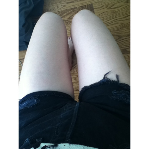 It's finally shorts weather in Toronto excuse how fat and pale I am