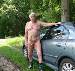 steig aus und hol mir nackt einen runter