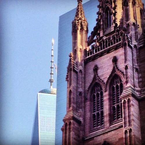 #NYC juxtaposition via Mark Izeman