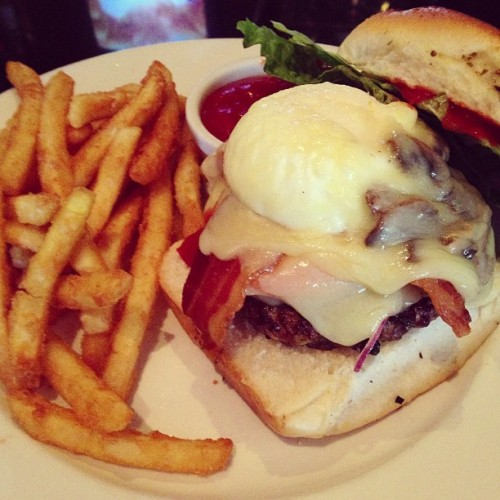My dads #Burgers are the #best #food .