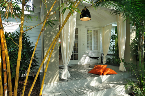 georgianadesign:  Keys porch, FL. Debra Yates Great Space.