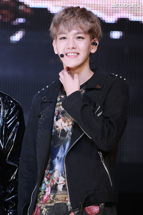 dailyexo:  Baekhyun - 130406 Seoul Girls Collection 2013 S/S - 9/49 Credit: Astro Bits. (서울걸즈컬렉션 2013 S/S)