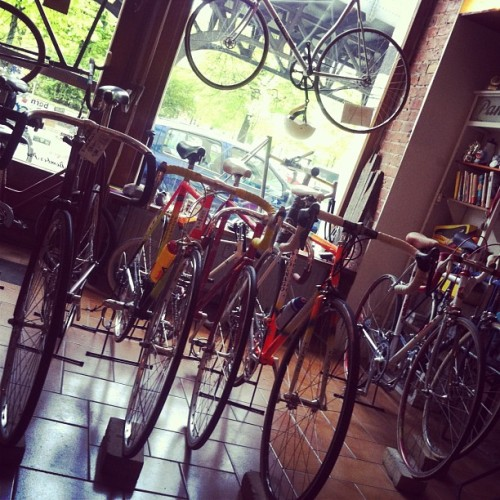 В храме. (в Keirin Cycle Culture Café)