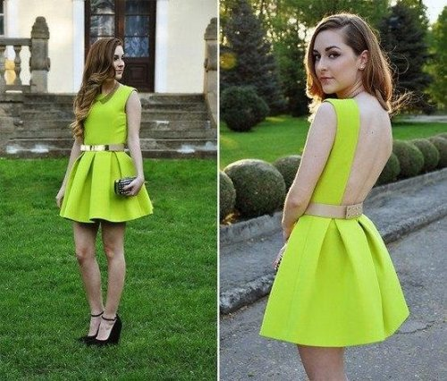 Beautiful dress, lovely colour :)