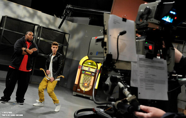 Justin Bieber - Rehearsals with @justinbieber and Kenan Thompson!! #SNL #BieberOnSNL #Feb9