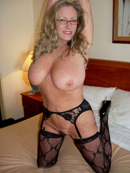 sexy-dame:hot MILFs - CLICK HERE and watch world's best porn Videos